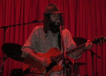 The Hypnotist Collectors' Rootsy Rock Warms a Wet Crowd at the Make Out Room