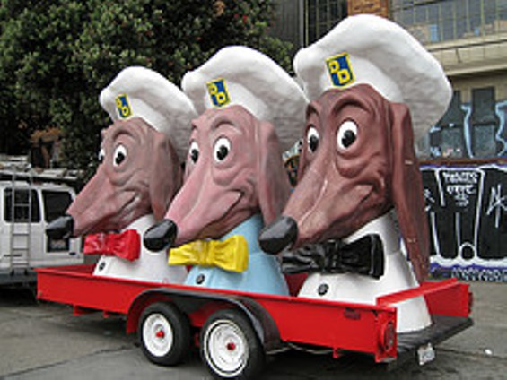 The iconic Doggie Diner mascots. - SCOTT BEALE/LAUGHING SQUID