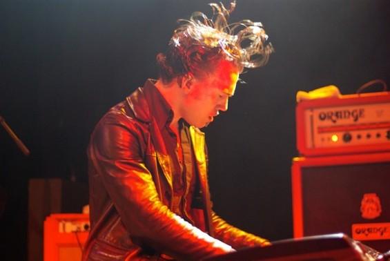 090711_jim_jones_revue_piano_1_.jpg