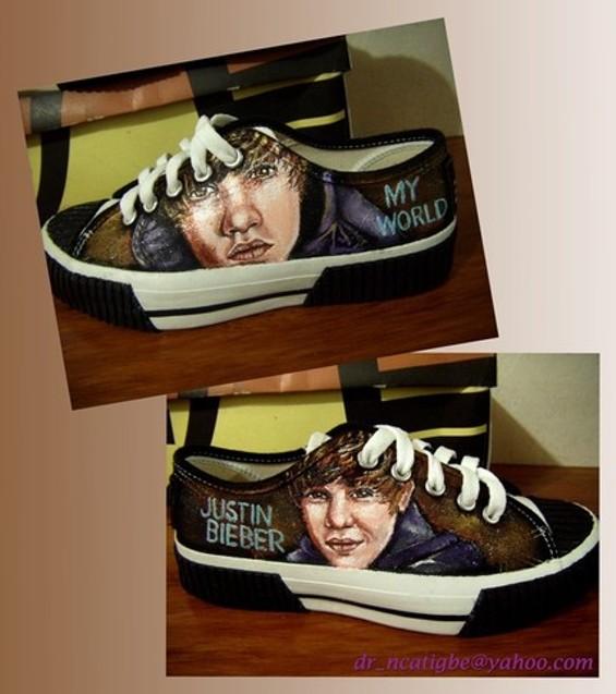 justin_bieber_shoes.jpg