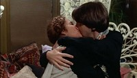 A YOUNG BUD CORT FELL FOR THE SENIOR CITIZEN RUTH GORDON IN THE FILM HAROLD AND MAUDE