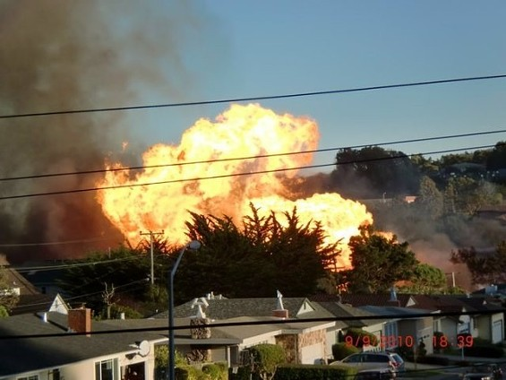 The view of the fire from San Francisco's McLaren Park - WIGGS