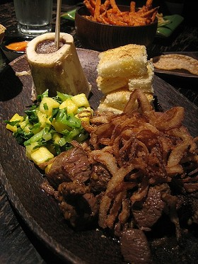 Tim Luym's beef tenderloin salpicao with marrow at Poleng Lounge. - VIRTUALERN/FLICKR