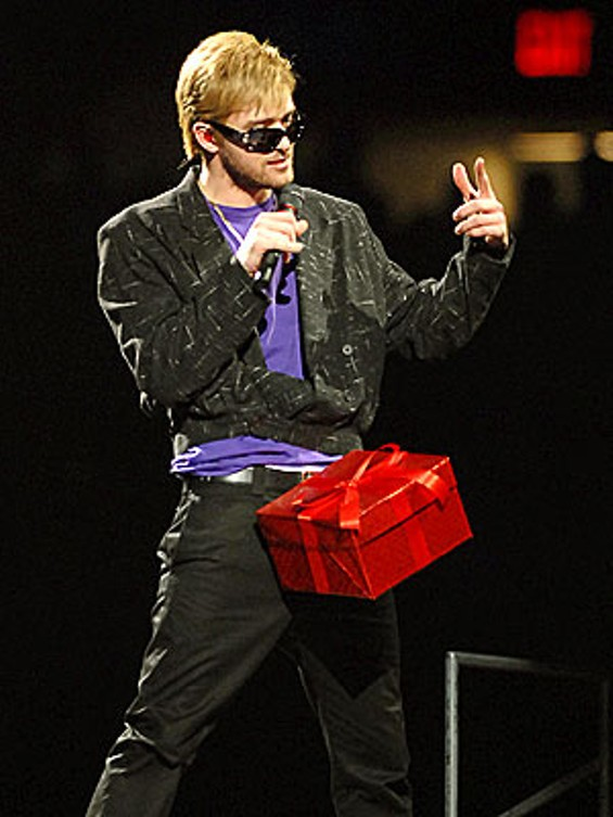 justin_timberlake_dick_in_a_box_2_8_07_thumb_300x400.jpg