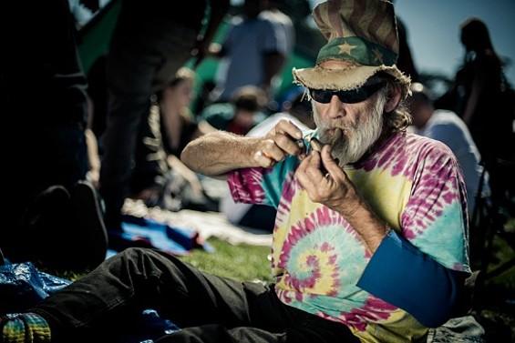 hippie_stones.jpg