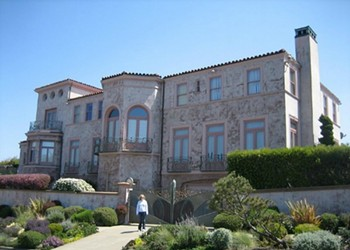 Tourism For Locals: Honoring the San Francisco Homes of Robin Williams