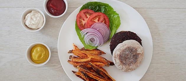 Black bean burger - AYA BRACKET