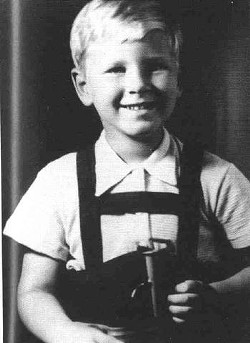 John Gunther Jr as a child. - FIND A GRAVE