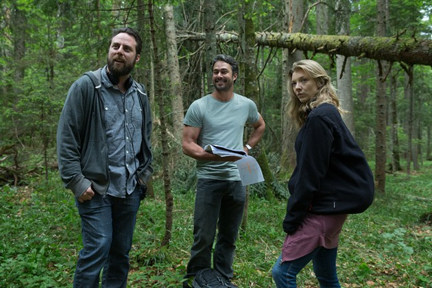 (L to R) Jason Zada directs actors Taylor Kinney and Natalie Dormer in The Forest. - JAMES DITTIGER / GRAMERCY PICTURES