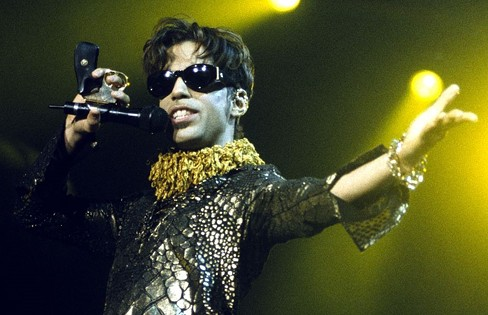 Prince at Shoreline Amphitheater in 1997.