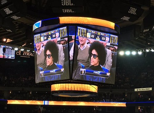 Prince catching a game at Oracle Arena in 2016.