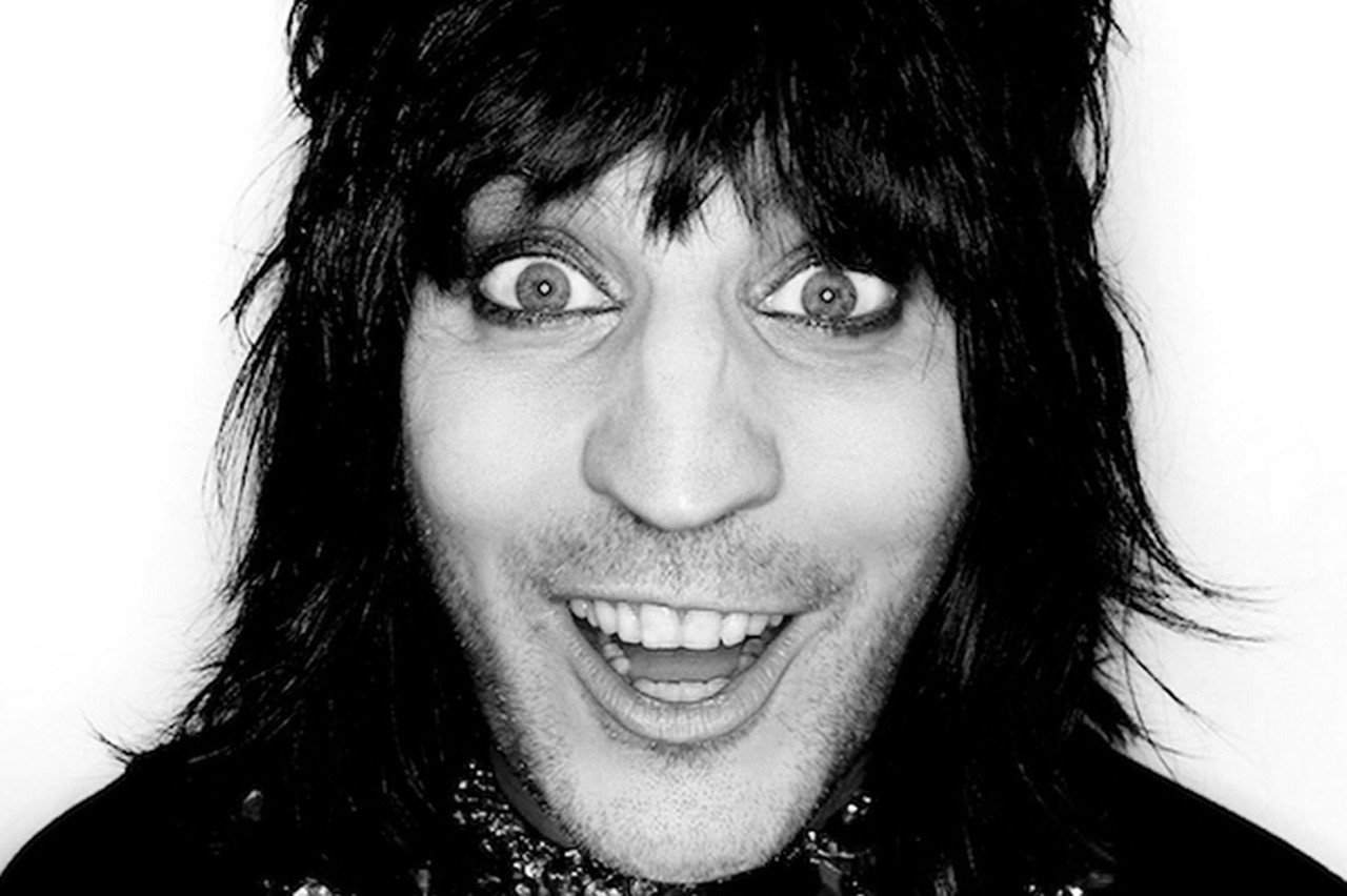 DAVE BROWN - Noel Fielding
