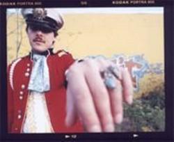 JENNIFER  JUNIFER - Utrillo Kushner commands you kiss the Colossal ring.