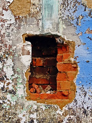 We just can't get our head wrapped around being trapped in a wall - FLICKR.WATKNOT