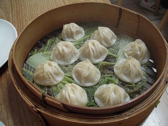 Xiao long bao at Shanghai Dumpling King - GARY SOUP