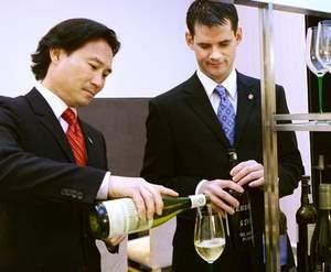 Yoon Ha (left). - BENU