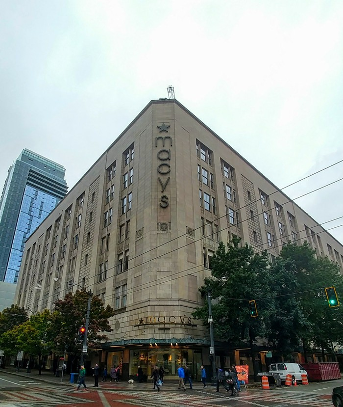 Remember when Amazon humiliated Macys in its own building? It happened in 2017.