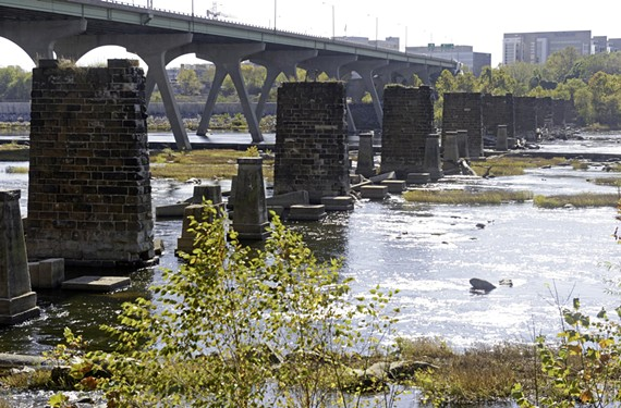 A local group dreams of building a public park on a bridge across the river using these railroad piers.