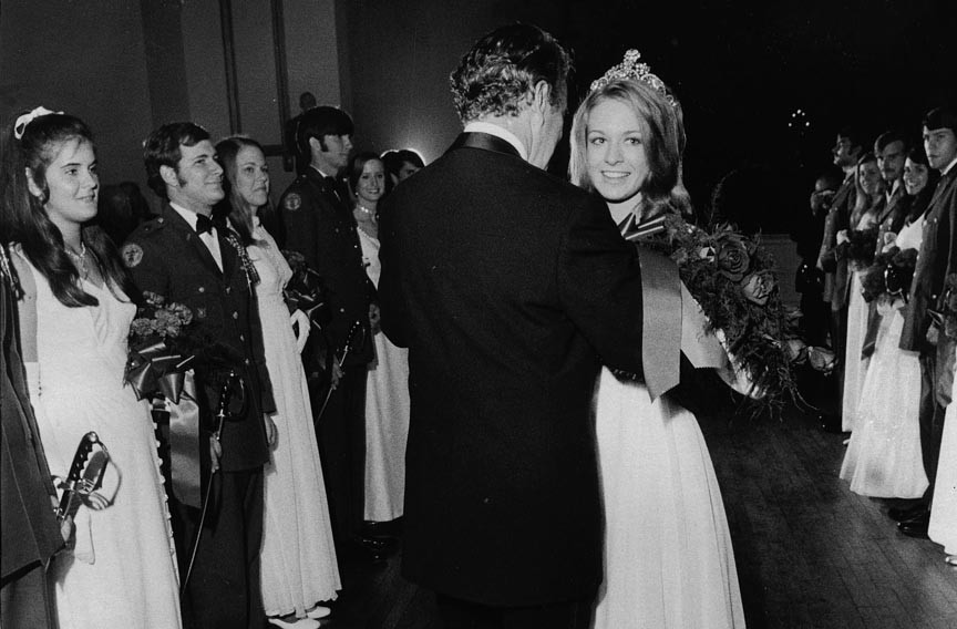 At the annual Queen's Ball, Gwen Golden, the Queen of Tobaccoland in 1971, takes to the dance floor in the hotel's Virginia Room with actor John Forsythe, that year's National Tobacco Festival grand marshal. - VALENTINE RICHMOND HISTORY CENTER