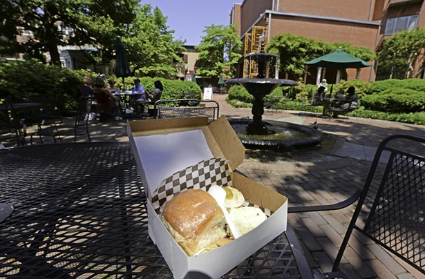 Best Place To Show Off Richmond S Southern Charm For Lunch Food And Drink