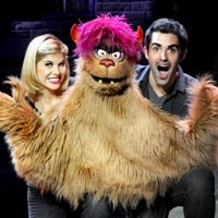 art44_theater_avenue_q_200.jpg