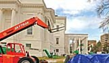 """Lincoln's"" White House Rises at State Capitol"