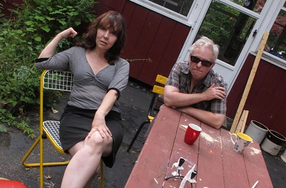 """Longtime New York musician Amy Rigby (""""Diary of a Mod Housewife"""") and her husband and musical partner, Wreckless Eric, bring charming indie pop to Gallery5."""