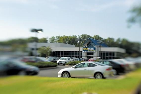 feat27_carmax_dealership_500.jpg