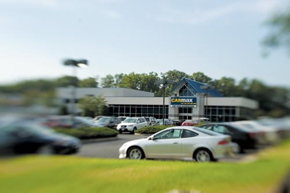 feat27_carmax_dealership_500.jpg