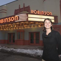 art16_music_robinson_theater_200.jpg