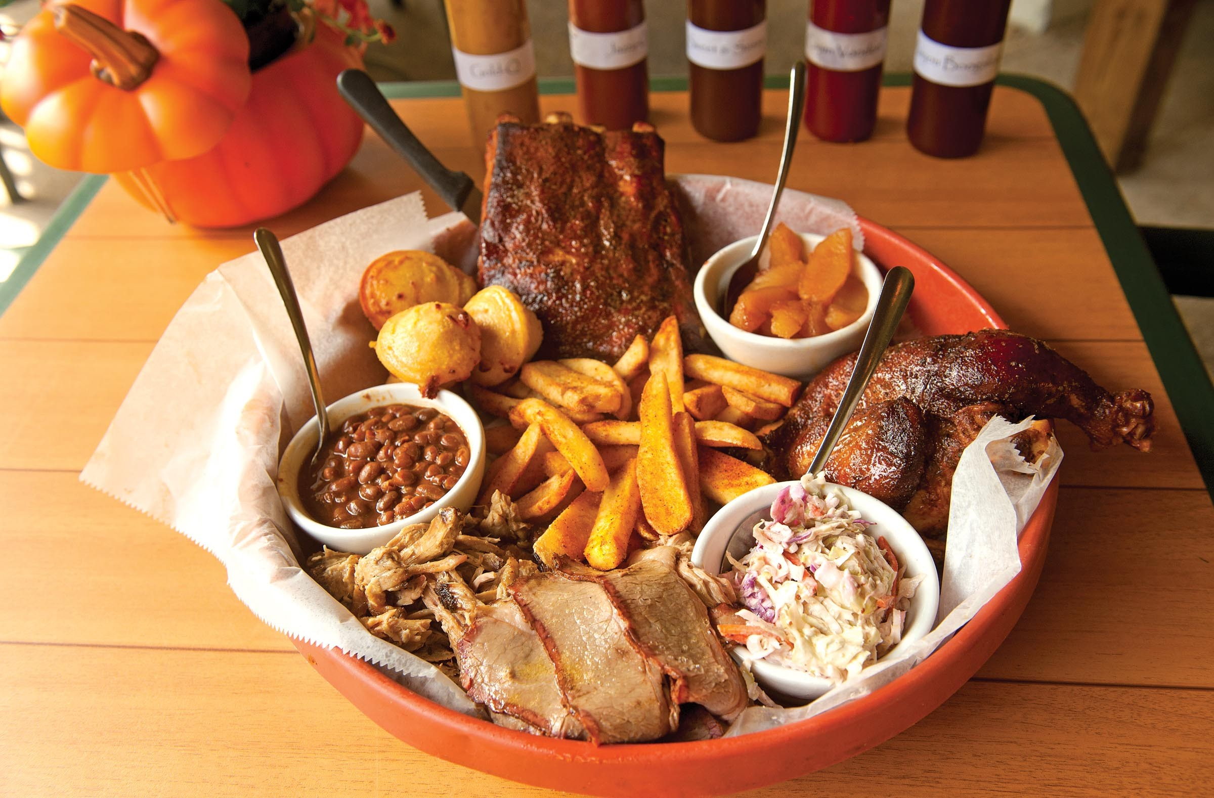Food review hog wild food and drink style weekly for Side dishes to go with smoked chicken