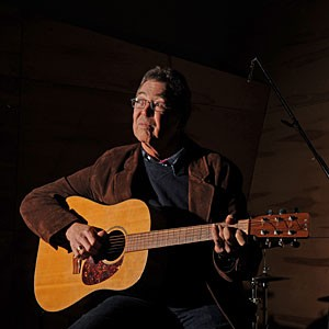"""The Robbin Thompson Band's new reunion CD and DVD, both called """"Live at the National,"""" put the spotlight back on a once-beloved regional powerhouse. """"I didn't know if anyone would care,"""" says Thompson, who returns to the National with his old gang this week."""