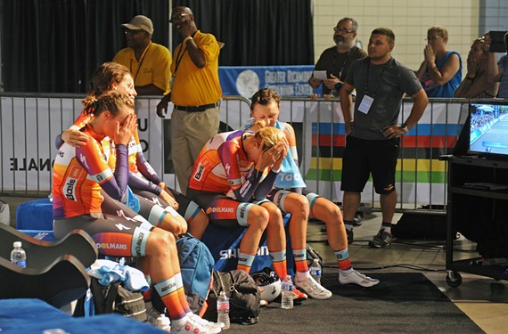 feat38_boels_dolmans_cycling_team_distraught.jpg