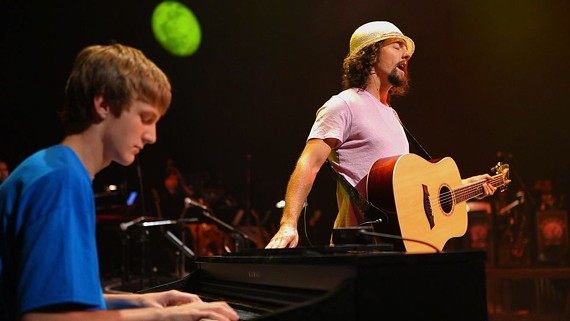 """A still from the award-winning """"From the Wings: The LIVE ART story"""" featuring Mechanicsville native, Jason Mraz."""
