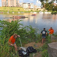 RVA Clean Sweep's Anti-Litter Brigade Tackles a Task That Never Ends