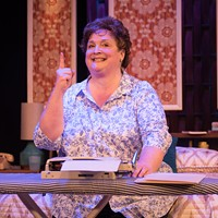 "Virginia Rep's ""Erma Bombeck: at Wit's End"" Takes on the Legacy of the Famous Humorist"