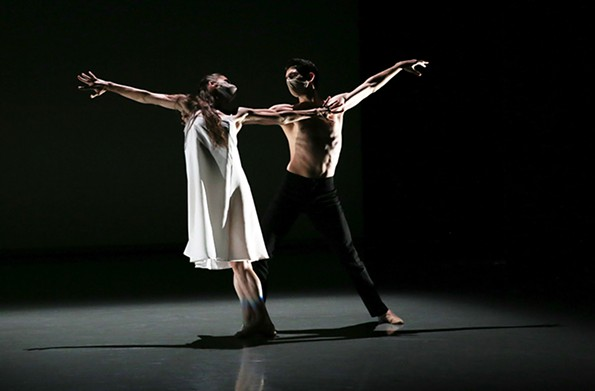 """Dancers Cody Beaton and Trevor Davis perform in Richmond Ballet's """"Alone, Beside Me"""" by Ma Cong. - SARAH FERGUSON"""