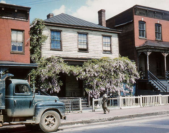 118 W. Cary St., Monroe Ward, April 1957. - EDITH K. SHELTON PHOTOGRAPH COLLECTION, THE VALENTINE
