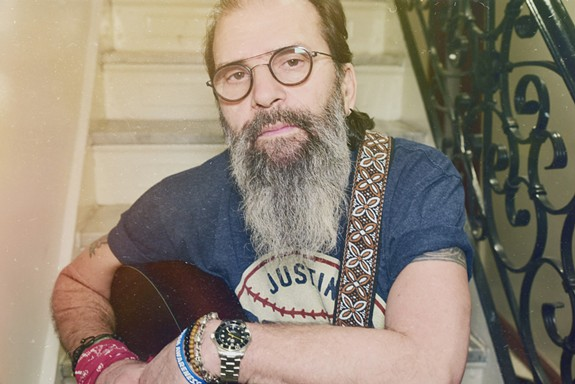 Steve Earle performs with Los Lobos on Friday, Aug.27. - SHERVIN LAINEZ
