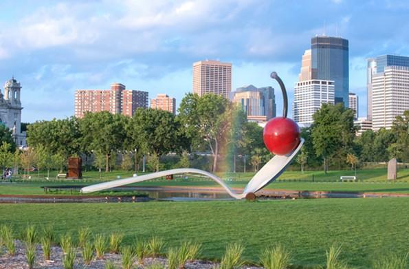 Minneapolis Sculpture Garden - MEET MINNEAPOLIS