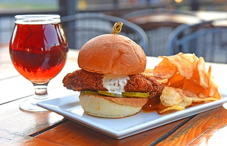 Food Review: A Few Missteps Keep Union Table and Tap From Becoming a Neighborhood Go-To