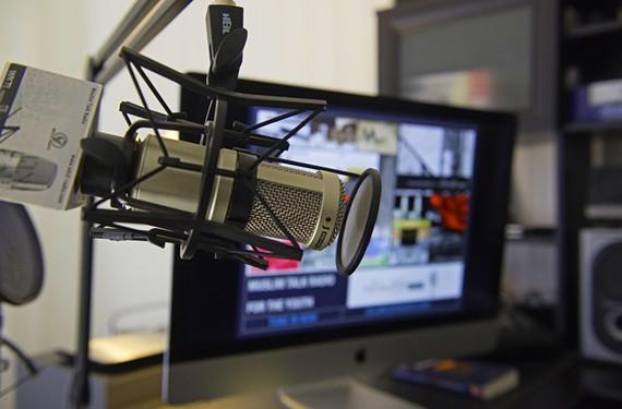 news30_radio.jpg