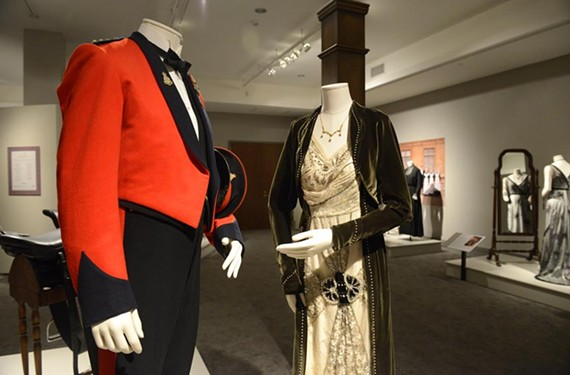 "The fine threads of the Grantham family on display at the Virginia Historical Society should make ""Downton Abbey""-heads weak in their Anglophile knees."