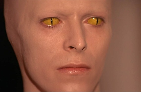 """David Bowie in """"The man Who Fell to Earth."""""""