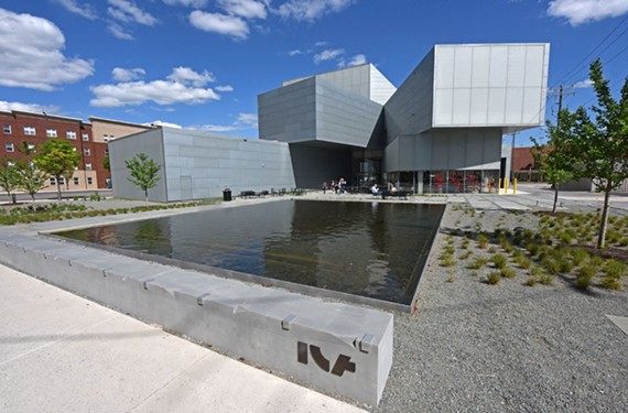 Visitors may enter the new gallery from the west via a sculpture garden.