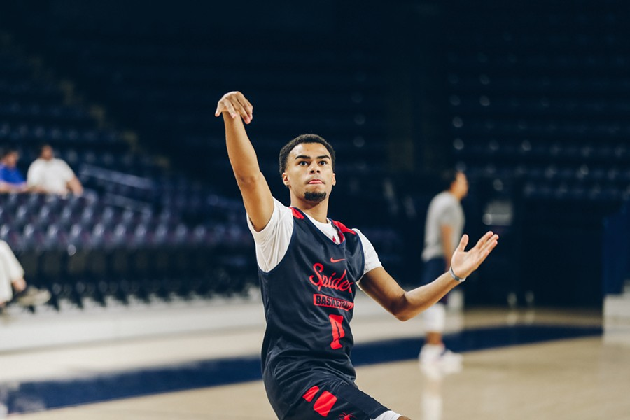 Freshman guard Jacob Gilyard will likely start this Friday due to caution over a left tibia injury to starting point guard, Khwan Fore. So far, Gilyard has impressed teammates with his speed and defense.