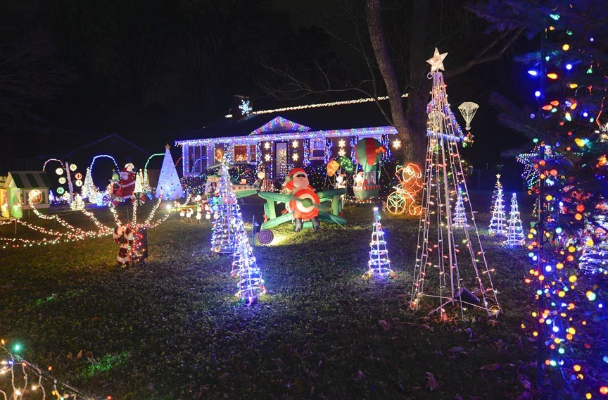 Light Up Christmas Houses
