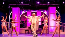 """Theater Review: Triangle Players' """"The Boy From Oz"""" Wants to Be Remembered as a Party"""