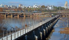 Architecture Review: The Potterfield Memorial Bridge Gets Close to Walking on Water