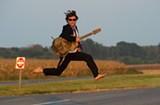 Guitarist Keller Williams Scores Sweet Gold Jacket from Richmond Fan